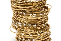 Enter to win the Amrita Singh India Bangle Set in What's Haute Magazine's 5 days of giveaways!