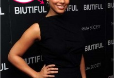 Get her haute baubles: Alicia Keys in Kara Ross