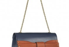 Chloé-June-bow-embellished-leather-shoulder-bag-side-view