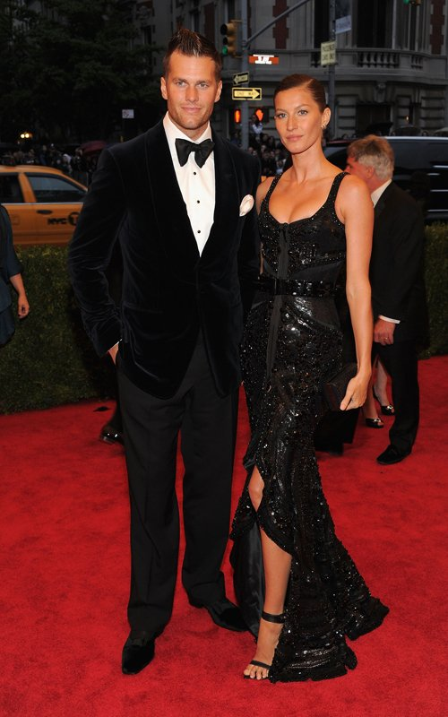 MET Gala 2012 Gisele Bundchen With Tom Brady in black