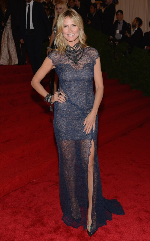 MET Gala 2012 Heidi Klum in blue lace dress