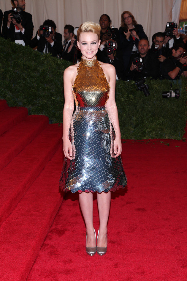 Met Gala Carey Mulligan in metallic Prada