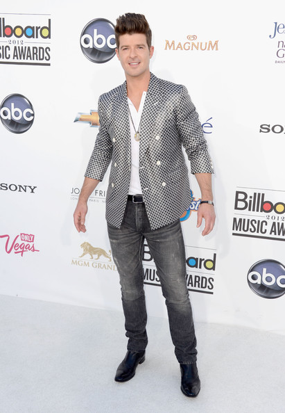 Robin Thicke at the 2012 Billboard Music Awards