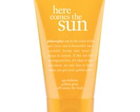 Philosophy Here Comes The Sun Age Defense Golden Glow Self-Tanner For Body helps you keep your summer tan!