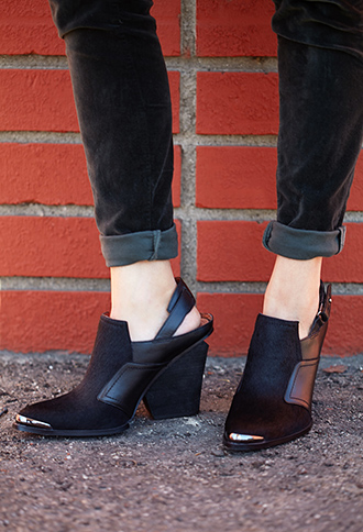 Forever 21 Sleek Slingback Booties
