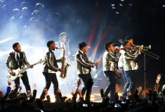 Bruno Mars and band perform during the Pepsi Super Bowl XLVIII Halftime Show, Saint Laurent Metallic One-Button Blazer