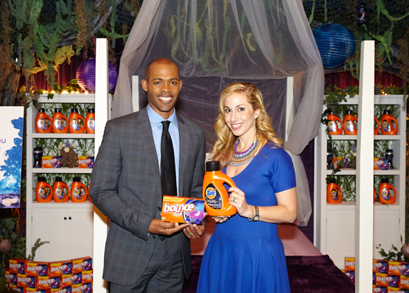 Dr. Ian Smith & Jeannette Kaplun - Tuck In. Turn Off. with the Tide, Downy & Bounce Sweet Dreams Collection