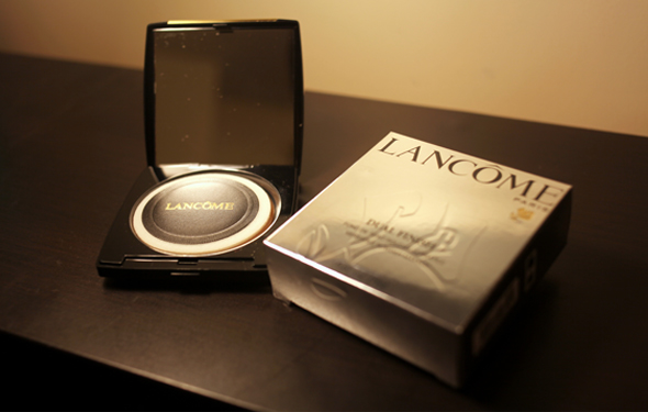 Lancôme Dual Finish powder compact