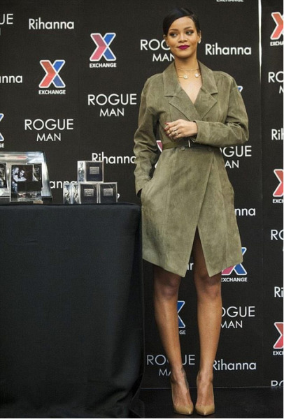 Rihanna in Jason Wu at Fort Belvoir