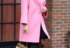 Eva Mendes in a pastel pink coat
