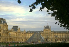 Paris - Louvre - What's Haute in the World