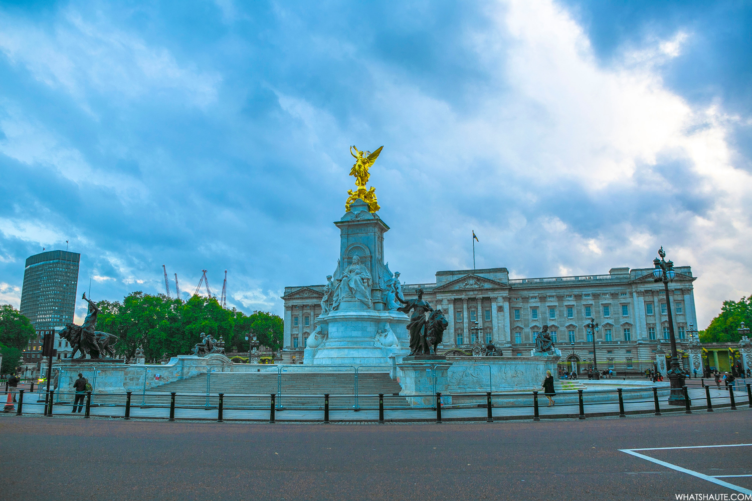 Buckingham Palace - London, England, What's Haute in the World
