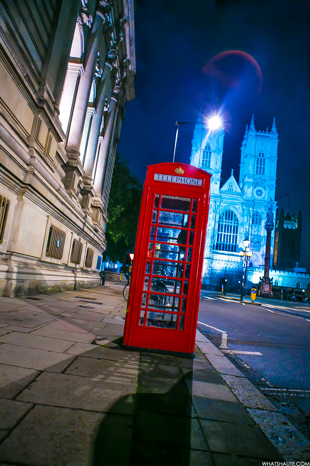 Red telephone booth - London, England, What's Haute in the World