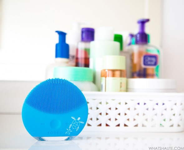 Haute beauty device review of the FOREO LUNA mini 2 Save the Sea Special Edition, facial cleansers