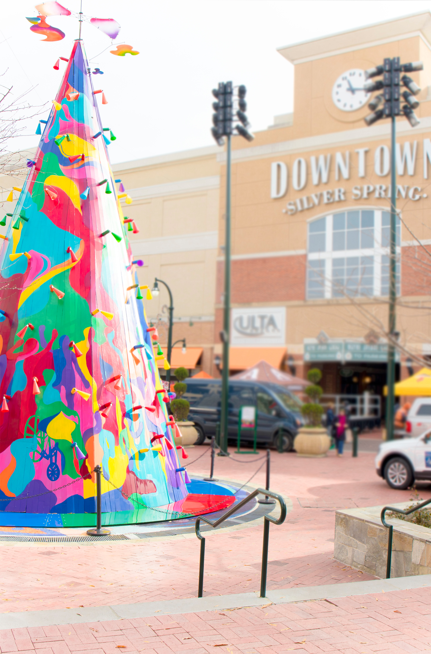 What's Haute Holiday Gift Guide and Giveaway with Downtown Silver Spring - Christmas tree 2018 - CommUNITY Tree