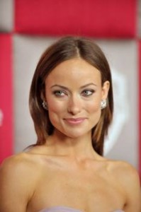 olivia wilde clip-on earrings to the Golden Globes