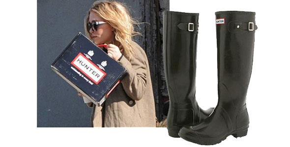 mary kate olsen leaves her nyc apartment holding a box of hunter wellie rain boots