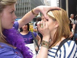Purple Lab does kamikaze makeovers on the girls in line for the premiere of Sex and the City 2