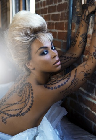 Beyonce teams with airbrush makeup brand Temptu to launch line of temporary tattoos under Déreon label