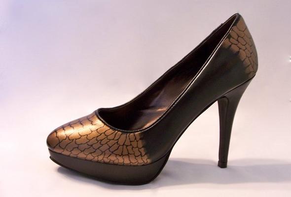 Mallory-Musante-Shoes-Alina