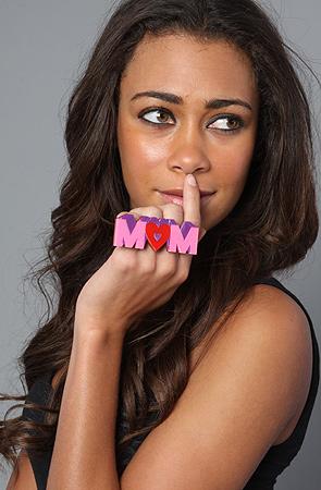 The Mom 3-Finger Ring by NEIVZ on model