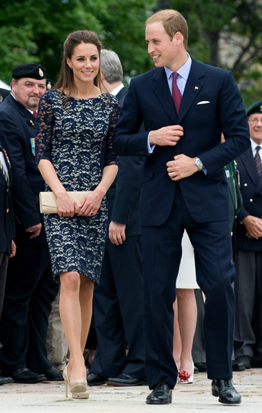 Catherine, Duchess of Cambridge and Prince William, Duke of Cambridge attend the wreath laying ceremony at the National War Memorial on day 1 on the Royal Couple's North American Tour on June 30, 2011 in Ottawa, Canada