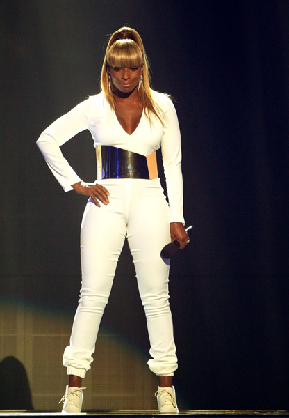 Mary J Blige performs onstage at the BET Awards '11 held at The Shrine Auditorium on June 26, 2011 in Los Angeles, California
