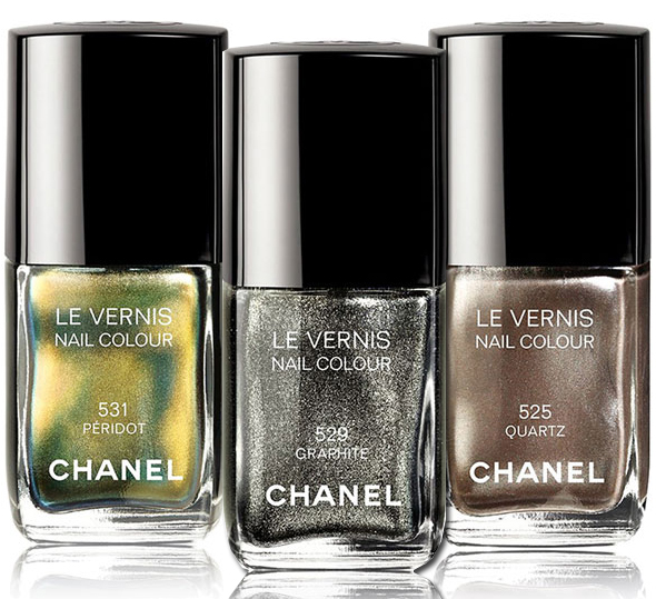 Les Vernis Nail Color Illusions d'Ombres de Chanel Fall 2011 collection include Quartz, Graphite and Peridot nail colors
