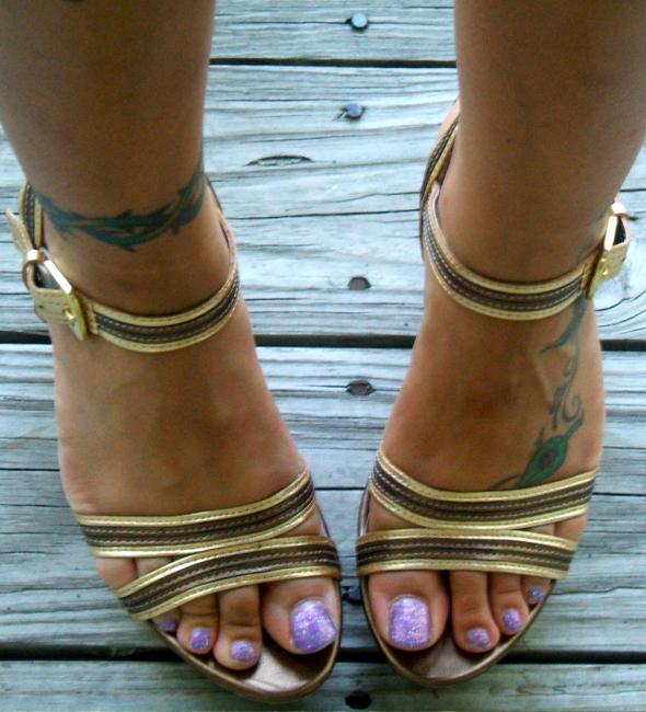 street-style-staci-franco sarto gold cork wedge sandals
