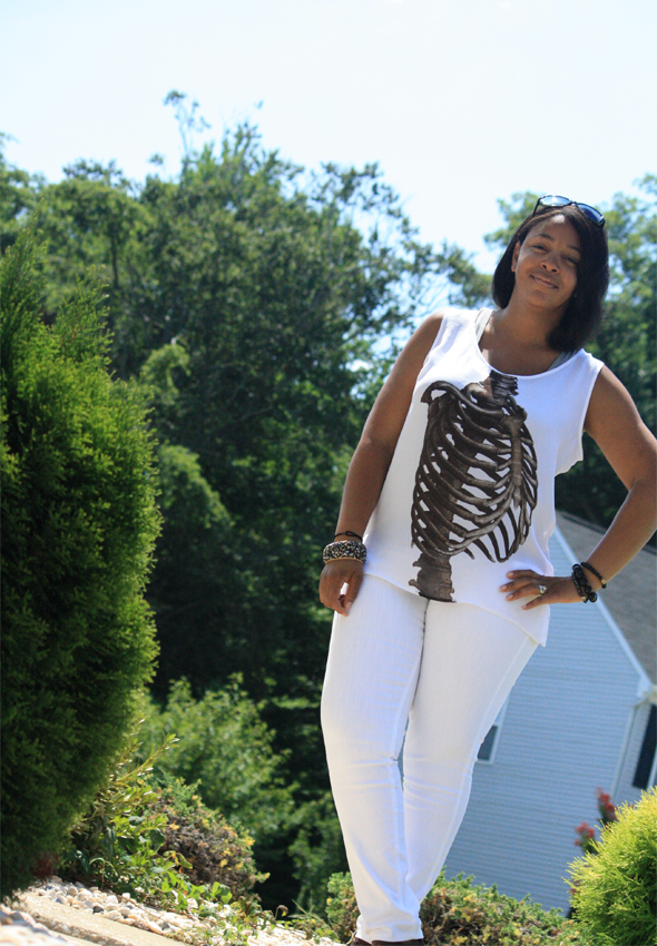 my-style-e.vil-ribcage-top-white-james-jeans-tods-sunglasses-1