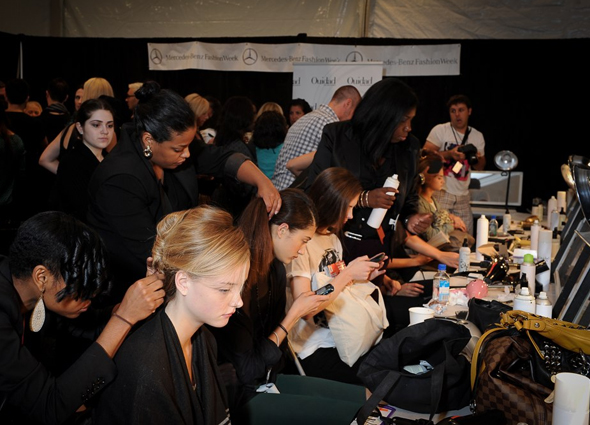 ouidad-backstage-at-timo-weiland-hair