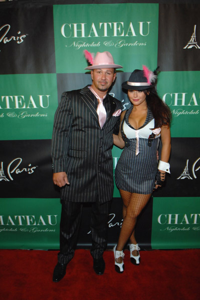 jenni jwoww farley and boyfriend roger mathews arrive - Las Vegas Halloween Costume