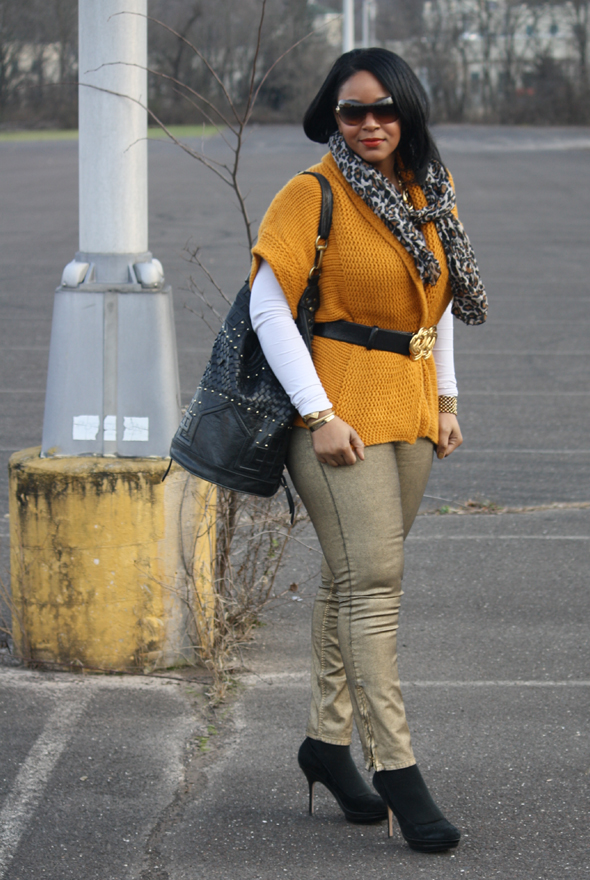 Versace sunglasses yellow sweater H&M leopard scarf gold Zara jeans Charles David pumps Cleobella bag Kenneth Jay Lane belt Ben Amun link necklace  1