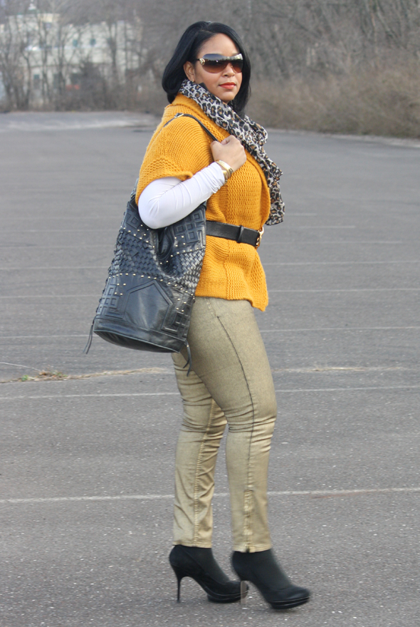 Versace sunglasses yellow sweater H&M leopard scarf gold Zara jeans Charles David pumps Cleobella bag Kenneth Jay Lane belt Ben Amun link necklace 2