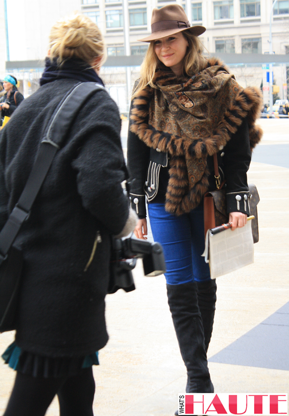 New York Fashion Week street style - blue skinnies and a fur wrap
