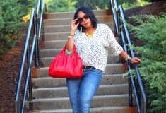 My style: Weekend comfort (Daniel Rainn blouse + Seven7 jeans + Marc by Marc Jacobs bag)