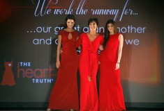 The Heart Truth - Kendall, Kylie & Kris Jenner in Badgley Mischka