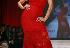 The Heart Truth - Roselyn Sanchez in Tadashi Shoji