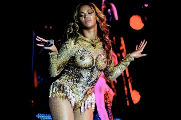 Beyonce nipple costume at her 'Mrs Carter World Tour'