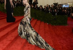 "Amanda Seyfried at the Metropolitan Museum of Art's Costume Institute Gala ""Punk: Chaos to Couture"""