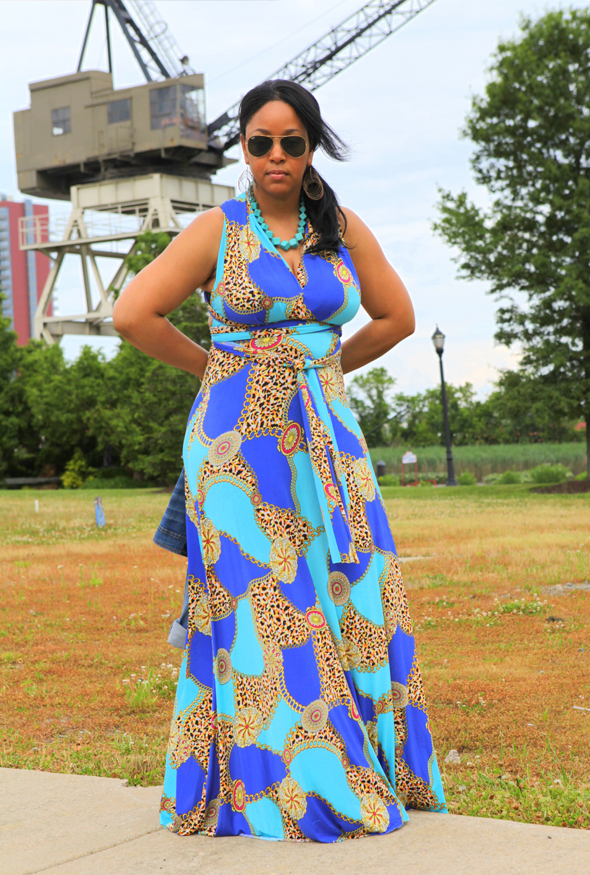My style: Kensie cropped denim jacket, Ray-Ban aviators, Von Vonni Transformer dress - chain print
