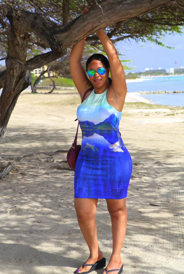 My style: Beyoncé for H&M Bodycon Dress with mountain print, See by Chloé Perforated Day Bag in Bean, Forever 21 F6866 Iridescent Aviator Sunglasses - Divi Divi trees on the beach in Aruba