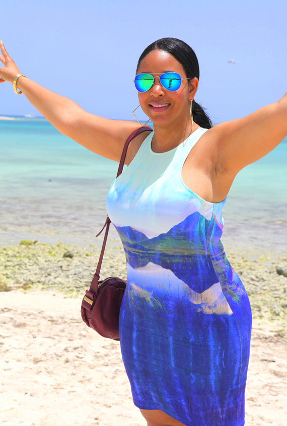 My style: Beyoncé for H&M Bodycon Dress with mountain print, See by Chloé Perforated Day Bag in Bean, Forever 21 F6866 Iridescent Aviator Sunglasses - beach in Aruba