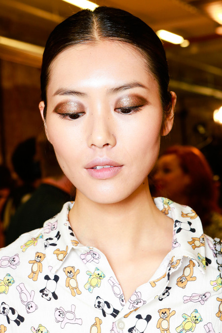 Jason Wu SPRING 2014 READY-TO-WEAR glitter eyelids
