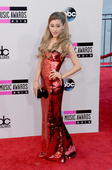 Ariana Grande attends the 2013 American Music Awards