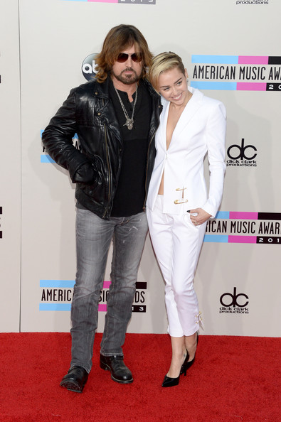 Billy Ray Cyrus and Miley Cyrus attend the 2013 American Music Awards
