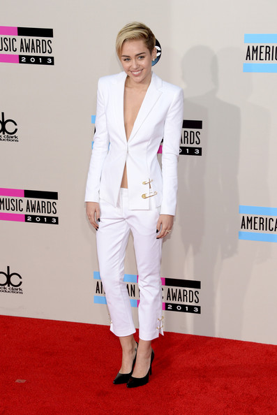 Miley Cyrus attends the 2013 American Music Awards