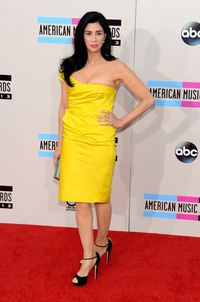 Sarah Silverman attends the 2013 American Music Awards