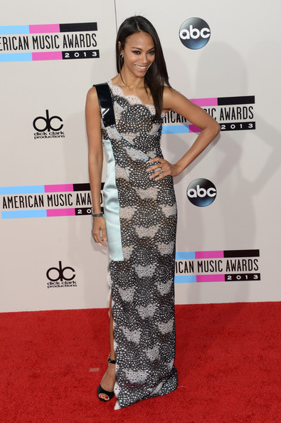Zoe Saldana attends the 2013 American Music Awards