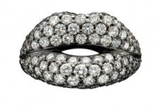 """A """"one-carrot"""" ring and more from the """"Tough Love"""" bridal collection by Solange Azagury-Partridge"""